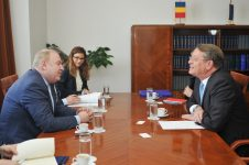 Întrevederea domnului senator Cristian-Sorin Dumitrescu, președintele Comisiei pentru politică externă, cu E.S. dl. Ramiro Fernández Bachiller, ambasadorul Regatului Spaniei la Bucureşti – 6 iunie 2017