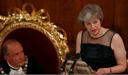 """""""Știm ce faceți. Nu veți reuși"""": Theresa May denunță """"acțiunile ostile"""" ale Rusiei"""