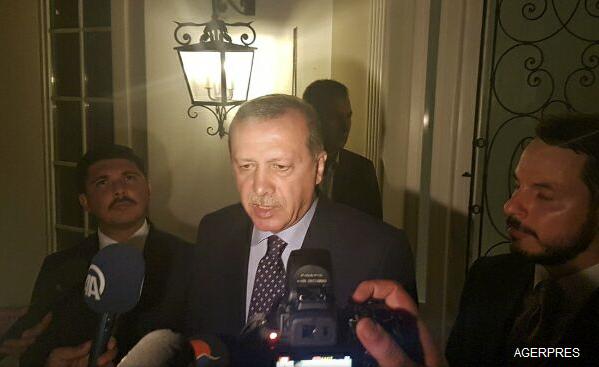 ALERTĂ-Turcia-Insecuritatea-va-continua-în-următoarele-24-de-ore-dar-puciul-va-fi-dejucat-oficial-de-rang-înalt-foto-video-2