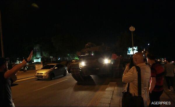 ALERTĂ-Turcia-Insecuritatea-va-continua-în-următoarele-24-de-ore-dar-puciul-va-fi-dejucat-oficial-de-rang-înalt-foto-video-3