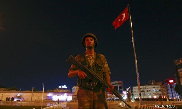 ALERTĂ-Turcia-Insecuritatea-va-continua-în-următoarele-24-de-ore-dar-puciul-va-fi-dejucat-oficial-de-rang-înalt-foto-video-4