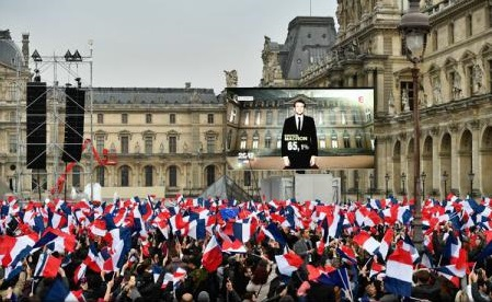 """Alegeri în Franța: Viitorul președinte Emmanuel Macron promite """"o nouă pagină în istorie"""""""