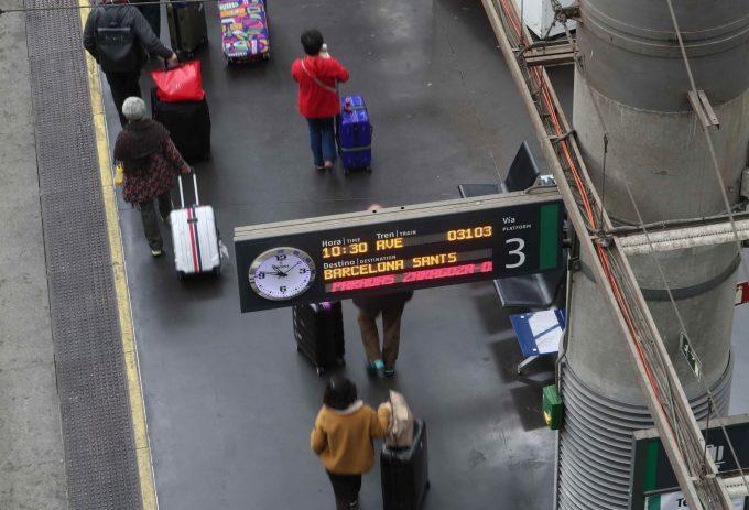 Alerta de securitate la căile ferate spaniole, provocată de o cataramă în formă de grenadă