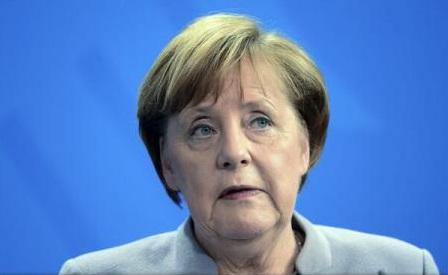 Angela Merkel, 'îngrozită' de atacul împotriva autocarului echipei de fotbal Borussia Dortmund