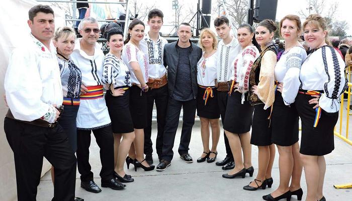 VIDEO: Ansamblul Mândrii Românași din Spania promovează dansul popular, portul și cultura românească