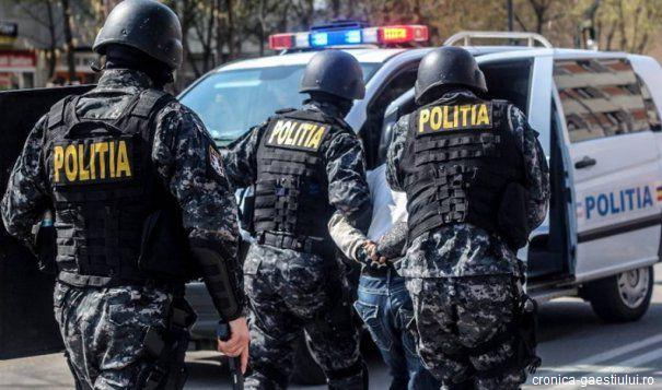 Argeș: Toți cei 37 de inculpați arestați în dosarul privind cazurile de sclavie rămân după gratii