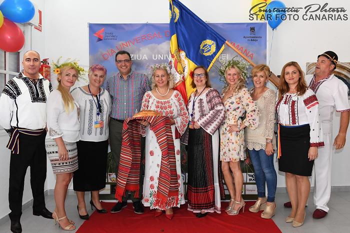 Asociația RumaCan: Sărbătorirea Zilei Universale a Iei în Adeje, Tenerife (Insulele Canare)