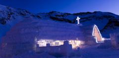 Bâlea Lac, unic în România: singurul hotel de gheaţă şi cel mai mare strat de zăpadă