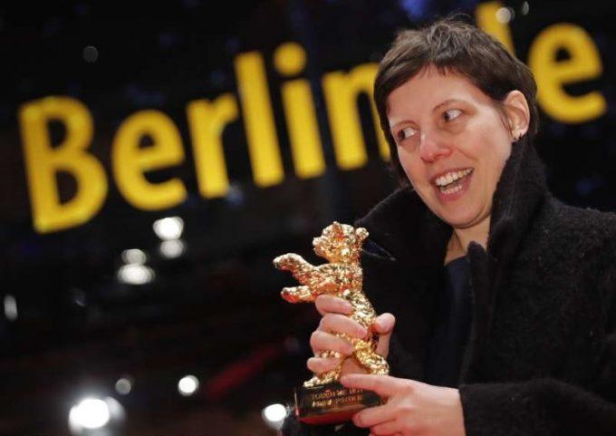 """BERLINALĂ 2018 Ursul de Aur, câştigat de filmul """"Nu mă atinge-mă"""", al regizoarei Adina Pintilie"""