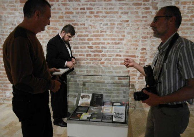 Bihor: Expoziţie retrospectivă de carte, la Muzeul Ţării Crişurilor, singurul din ţară cu trei anuare