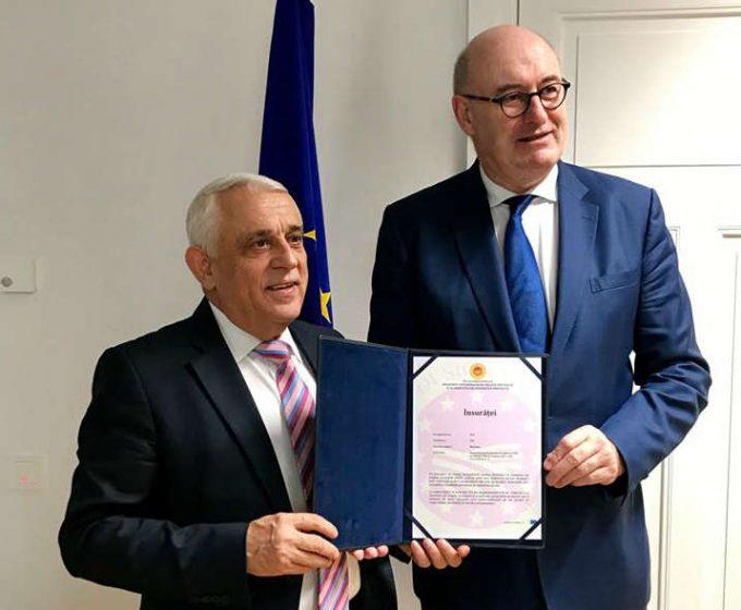 """Bruxelles: Certificatele de înregistrare pentru """"Scrumbia de Dunăre afumată"""" (IGP) şi vinul """"Însurăţei"""" (DOP)"""