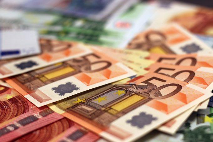Bulgaria, Letonia şi România ultimele în UE după salariul minim pe economie