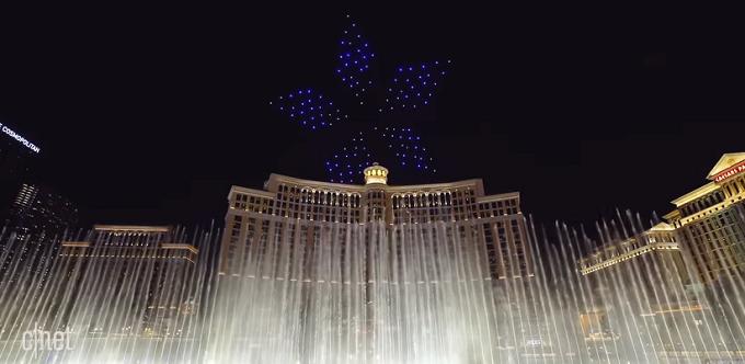 VIDEO: CES 2018 Las Vegas - Artificiile viitorului, realizate cu ajutorul ''roiurilor'' de mini drone