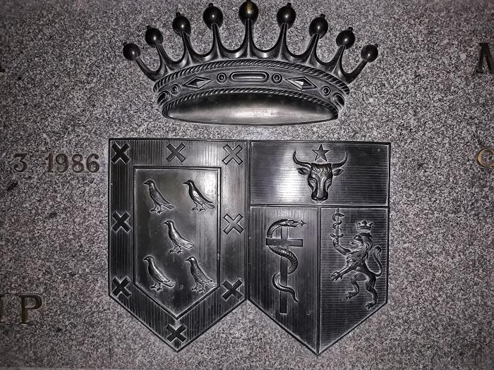 Capul debour en la Catedral de la Almudena de Madrid: el panteón de los Pedroso-Sturdza