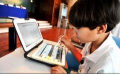 Care sunt riscurile? Unul din trei utilizatori de internet este copil sau adolescent sub 18 ani, la nivel mondial