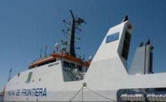 Cei peste 60 de imigranți clandestini sosiți în Portul Constanța au cerut protecția statului român