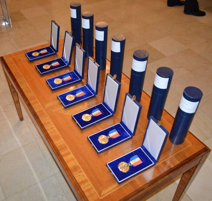 Ceremonia de entrega del Emblema de Honor del Ministerio del Interior de Rumanía a miembros del Cuerpo Nacional de Policía y de la Guardia Civil españolas