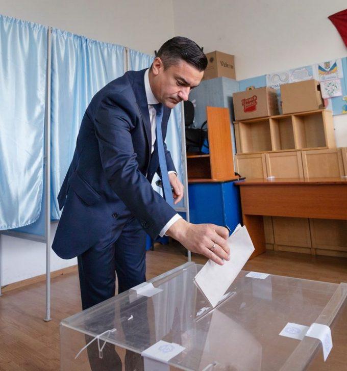 Chirica: Moldova nu mai este roşie pentru că moldovenii s-au săturat de lipsa de atenţie