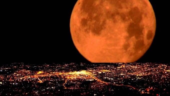 Cinci lucruri inedite despre Super-Luna din 14 noiembrie