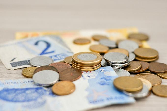Cine trebuie să depună DECLARAȚIA 201 privind veniturile din străinătate?
