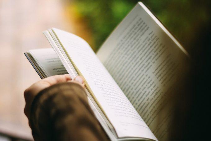 """Cluj: Cartea Recordurilor -""""Marea lectură"""" va aduna la un loc 10.000 de cititori ai aceleiaşi cărţi"""