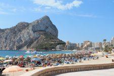 Comisia Europeană: 120 de milioane de turişti vor fi mai bine protejaţi prin noile norme adoptate de UE