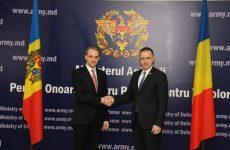 Cooperarea bilaterală româno-moldovenească, pe agenda discuţiilor dintre ministrul Apărării şi omologul său de la Chişinău