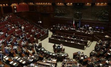 """Criza migrației: Cele 28 de țări din UE se angajează să ia """"măsuri urgente"""" pentru a ajuta Italia"""
