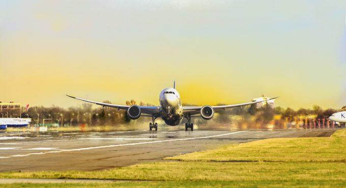 De Paște, numărul biletelor de avion spre România, în creștere cu 31% în 2018