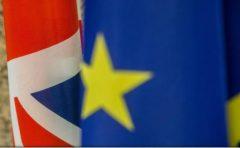 Deputați britanici se angajează să o considere responsabilă pe Theresa May pentru respectarea promisiunilor legate de Brexit