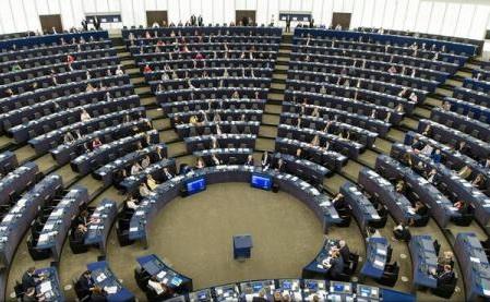 Directiva europeană privind detașarea lucrătorilor: PE este pregătit să înceapă negocierile cu Consiliul UE