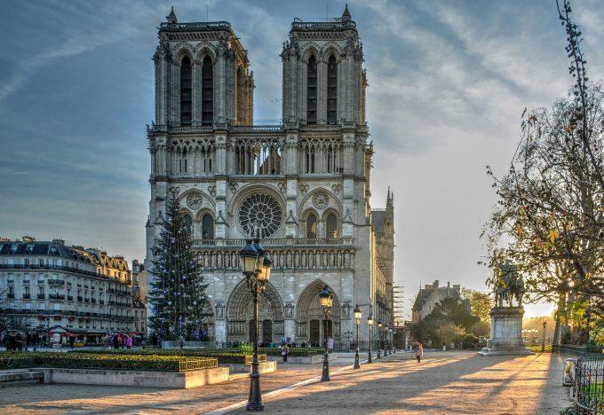 Donaţiile pentru reconstrucţia catedralei Notre-Dame au ajuns la 750 milioane de euro