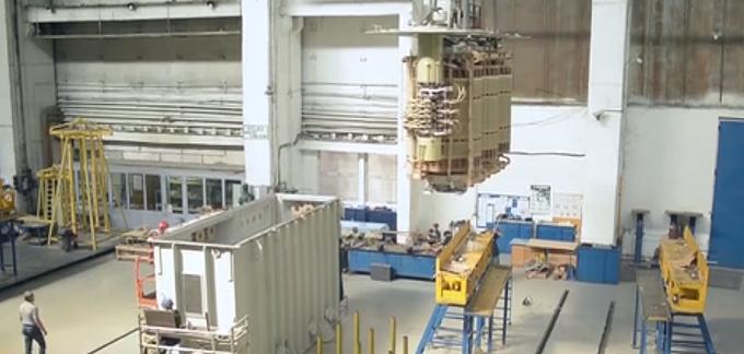 După 70 de ani, Electroputere Craiova se închide în decembrie, când ultimii angajaţi vor finaliza reparaţia unui transformator