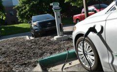 E.ON și MOL vor dezvolta, în România, o rețea națională de 40 de stații de încărcare a vehiculelor electrice