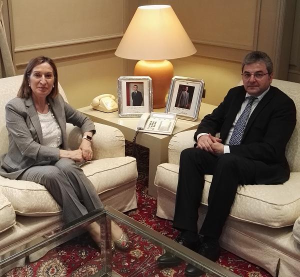 El-embajador-rumano-ha-sido-recibido-por-la-Ministra-española-de-Fomento-en-visita-de-despedida-con-ocasión-de-la-finalización-de-su-mandato-en-España