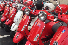 Eveniment 9 sept. – Vespa Alcalá 2017 în Plaza de Cervantes