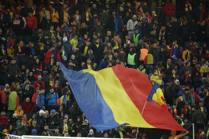Fotbal: Tricolorii vor fi susţinuţi de aproximativ 12.000 de români la meciul cu Spania
