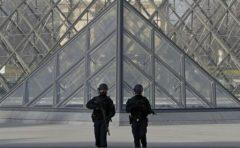Franța: Atacatorul de la Luvru refuză să răspundă la întrebările anchetatorilor