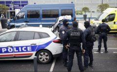 Franța: Doi bărbați suspectați că pregăteau un atentat, arestați cu cinci zile înainte de alegerile prezidențiale