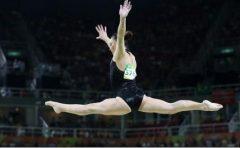 Gimnastică artistică: Medalii de aur pentru Cătălina Ponor, la bârnă și sol, în Cupa Mondială de la Baku