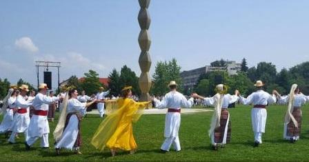 Gorj: Peste 10.000 de oameni în straie populare, așteptați la a doua ediție a Festivalului ''RomânIA Autentică''