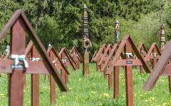 Harghita: Preoţi ortodocşi au oficiat o slujbă de pomenire a eroilor la cimitirul din Valea Uzului