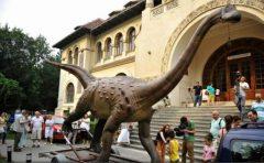 Hunedoara: Festivalul Dinozaurilor, destinație de week-end în Țara Hațegului