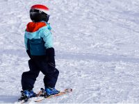 Hunedoara: Lecţii de schi gratuite pentru copii în staţiunea Parâng, de Ziua Mondială a Zăpezii
