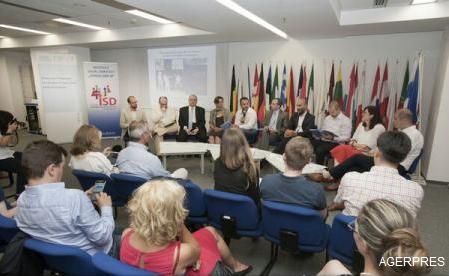 """ISD """"Ovidiu Șincai"""" și ENoP au lansat studiul """"Reconectarea Europei cu cetățenii săi – rolul fundațiilor politice"""""""