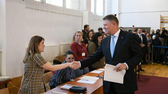 Iohannis: Contez pe voturile alegătorilor USR-PLUS, PMP; îmi doresc să obţin voturi şi de la UDMR