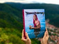 La fotógrafa rumana y su libro: «El Atlas de la belleza» o la diversidad de la mujer alrededor del mundo