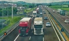 Las empresas transportistas españolas contratan más conductores rumanos, búlgaros y portugueses