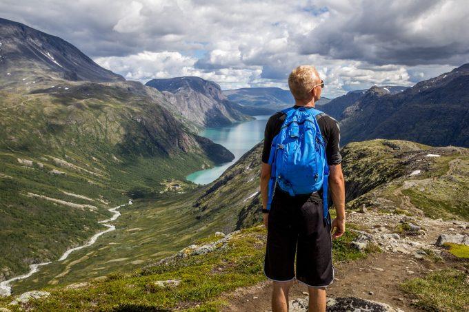 Legea privind activitatea de comercializare a pachetelor de servicii turistice, promulgată