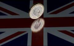 Lira sterlină s-a depreciat după ce Partidul Conservator a pierdut majoritatea absolută în Parlament